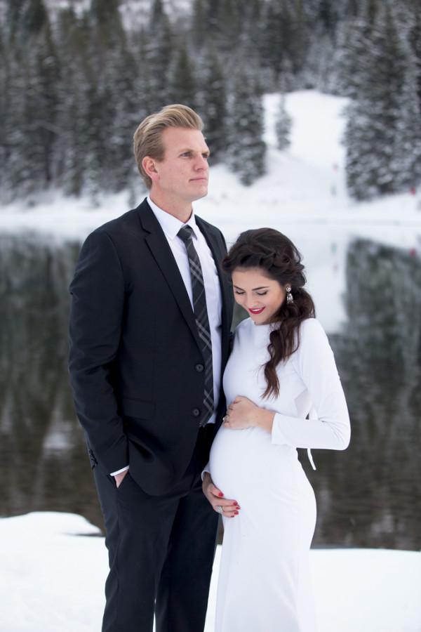 winter-pregnancy-announcment-ideas