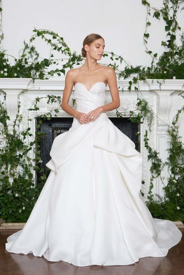 monique-lhuillier-bridal-fall-2018-3