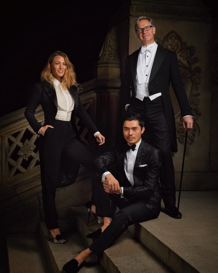 15_blake-lively-henry-golding-and-paul-feig-celebrity-portraits-at-ralph-lauren-s-anniversary-show-september-2018-0