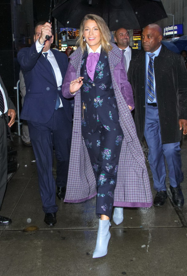 16_simple_favor_blake_lively_gucci_suit_bottega_veneta_trench
