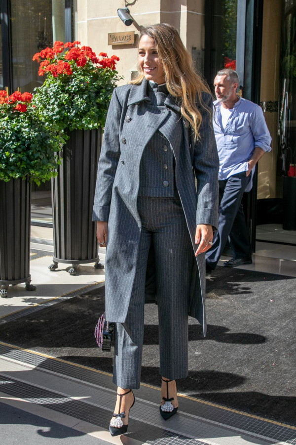 21-blake-lively-Simple-favor-blake-lively-paris-press-day