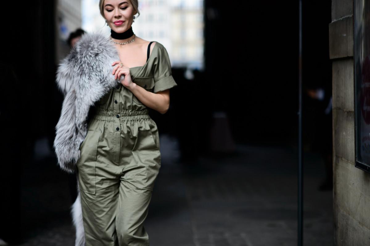 Чокер-Paris-Fashion-Week-Fall-Winter-2016-2017_AKS8998
