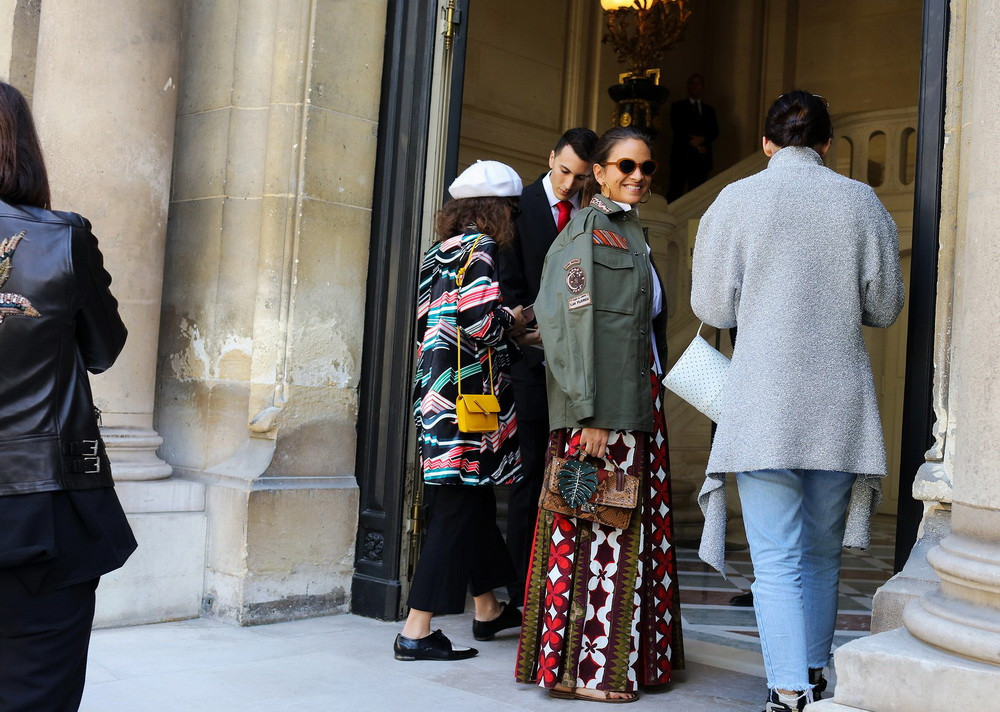 16-paris-street-style-spring-2017-phil-oh-day-5