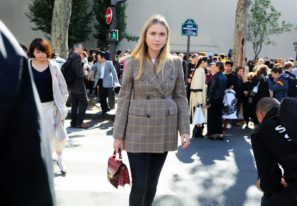 25-paris-street-style-spring-2017-phil-oh-day-5