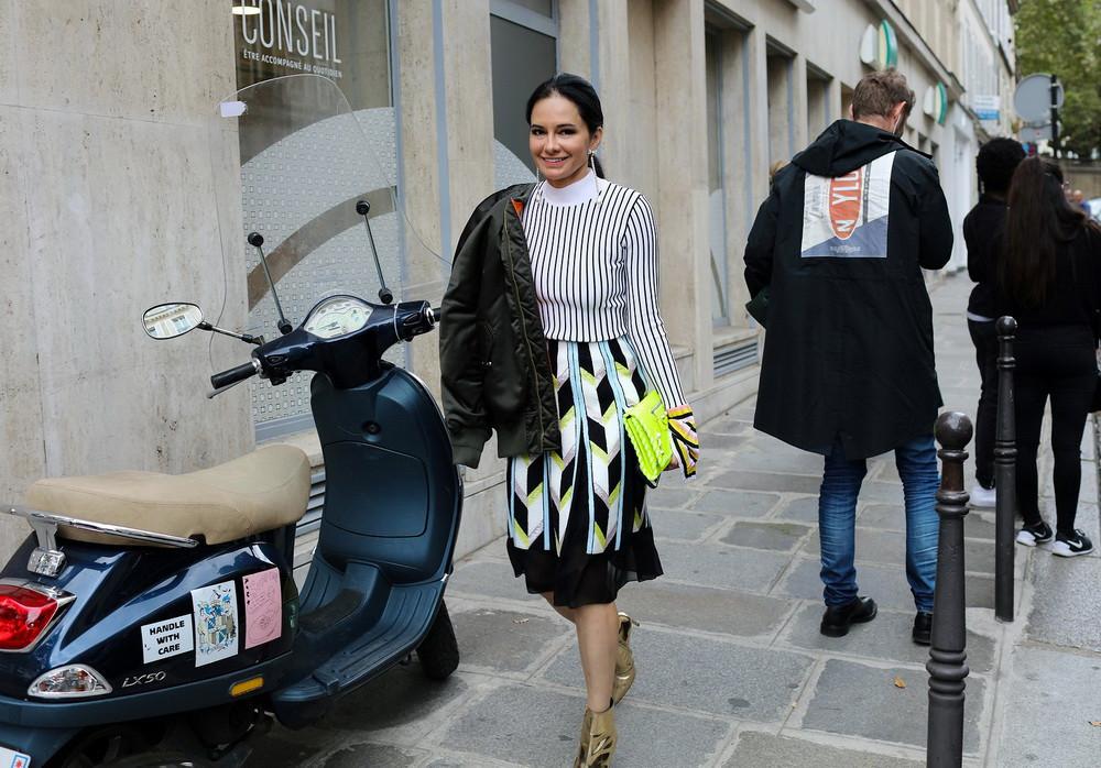36-paris-street-style-spring-2017-phil-oh-day-5