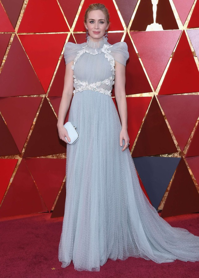 7. Эмили Блант в платье Schiaparelli Haute Couture