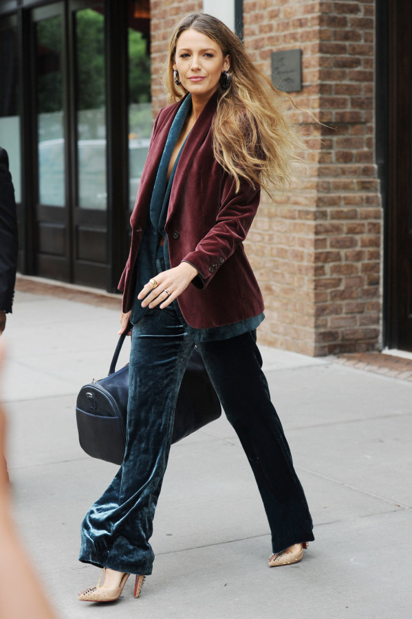 5_simple_favor_blake_lively_Brunello_Cucinelli_New_York